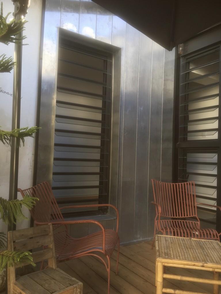 bardage en zinc à façade à Saint-Pierre à La Réunion 974 | Réunion Toiture
